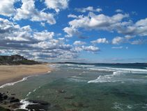Cronulla Strand und Wolken Lizenzfreies Stockbild