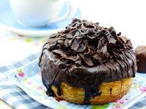Cronut донута с шоколадом стоковое фото