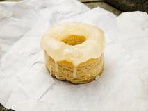 Cronut med glassed vit Royaltyfria Foton