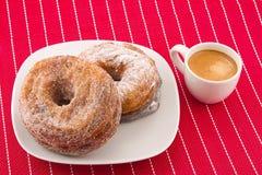 Cronuts och kaffe Royaltyfria Bilder