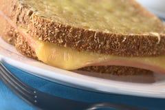 croque monsieur kanapka wznosząca toast Zdjęcia Royalty Free