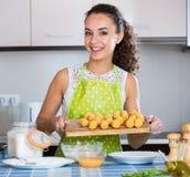 Croquettes женщины заполненные завальцовкой Стоковые Изображения RF