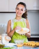 Croquettes женщины заполненные завальцовкой Стоковое Изображение RF