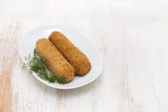 Croquettes мяса на белом блюде Стоковое Изображение