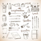 Croquis des outils de l'artiste et de l'auteur Photos libres de droits