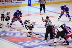 Crosby slaat Drury Royalty-vrije Stock Afbeeldingen