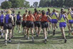 Cross Country-Mädchen-Rennen stockbilder
