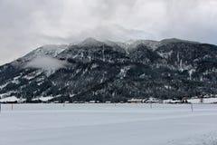 Cross Country-Skifahrendorf in Österreich Lizenzfreie Stockfotografie