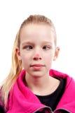 Cross-eyed Mädchen mit rotem Punkt auf Wekzeugspritze Lizenzfreie Stockbilder