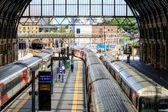 Cross Station Trains国王 免版税图库摄影