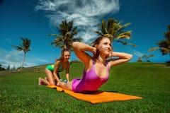 Crossfit de formação do exercício Imagens de Stock Royalty Free