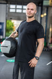 Crossfit traning man with med-ball Royalty Free Stock Photography