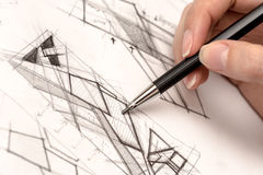 Crosshatch чертежа руки девушки на бумаге Стоковое Изображение RF