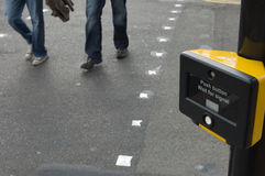 crossing pedestrian sign 库存图片