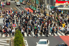 Crossing the Shibuya crosswalk Royalty Free Stock Photos