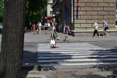 Crosswalk w Ukraińskim mieście Cherkassy na letnim dniu Obraz Stock