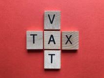 Crossword, bednia i podatek w formie krzy?a, obrazy royalty free