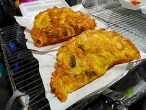 Crostacei e calamaro, miscela nella farina ed allora fritta Fotografie Stock