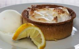Crostata al limone meringato deliziosa Fotografia Stock