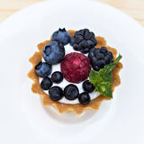 Crostata con berrie fresco Immagine Stock Libera da Diritti