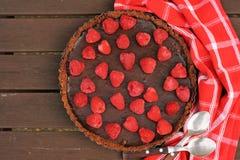 Crostata del cioccolato con il lampone Fotografie Stock Libere da Diritti