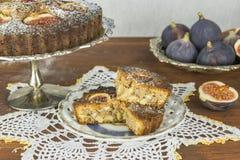 Crostate al forno domestiche della mandorla e del fico Fotografia Stock Libera da Diritti