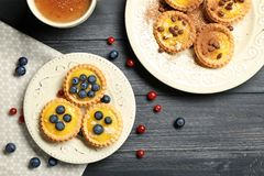 Crostate croccanti deliziose con la crema della crema Fotografie Stock Libere da Diritti