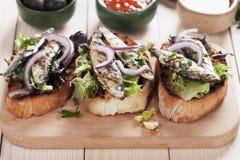 与沙丁鱼鱼的意大利crostini三明治 免版税库存图片