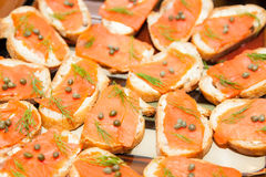 Crostini with salmon and capers Royalty Free Stock Photos
