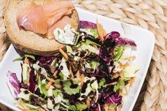 Crostinis con il salmone affumicato ed il formaggio Fotografia Stock