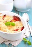 Croustillant avec des fraises Photo stock