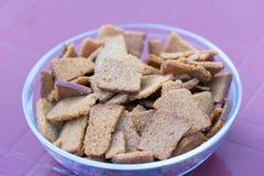 Croutons czarny chleb Zakończenie fotografia Miejsce dla twój teksta obraz royalty free