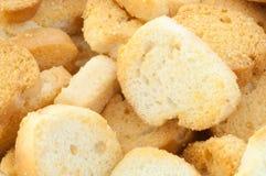 Croutons des Brotes lizenzfreie stockbilder