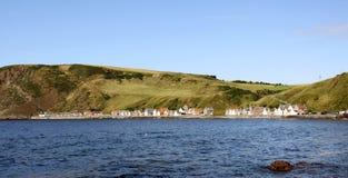 Crovie, een klein visserijdorp in Schotland stock fotografie