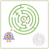 Crow must go to worm through the maze and don't get lost Royalty Free Stock Image