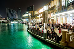 Crowd of people waiting for Dubai fountain´s show Stock Photography