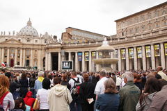 Crowd in st peter's square Stock Photography