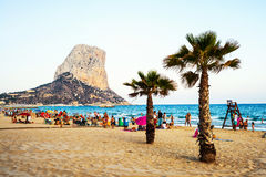 Crowded beach in Calpe, Spain Royalty Free Stock Photos