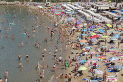 Crowded beach at summer Royalty Free Stock Photography