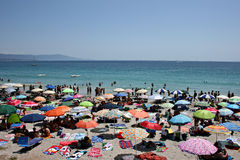 Crowded beach in summer Royalty Free Stock Photography