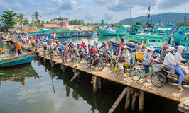 Crowded bridge at the harbour on phu quoc island 2 Royalty Free Stock Image