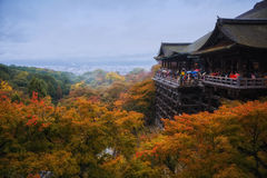 Crowded tourists traveling in Kiyomizu temple Royalty Free Stock Photos