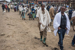 Crowded weekly markent in a village, Etiopia Royalty Free Stock Photos