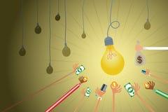 Crowdfunding στη λαμπρή ιδέα λαμπών φωτός Στοκ φωτογραφίες με δικαίωμα ελεύθερης χρήσης