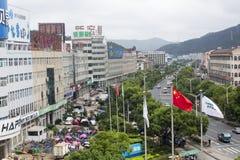 Crowdystraat tijdens Internationaal de Fotografiefestival van Pingyao stock afbeeldingen