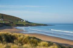 Croydestrand Devon England het UK met zandduinen in de zomer stock afbeeldingen