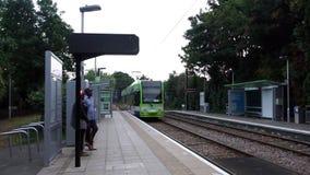 Croydon Tramlink, Londres almacen de metraje de vídeo