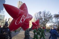 Croyez l'étoile dans le défilé de Macy's Image libre de droits