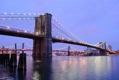 Crépuscule de passerelle de Brooklyn Photographie stock libre de droits