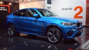 Cruce de lujo SUV de BMW X6 M almacen de video